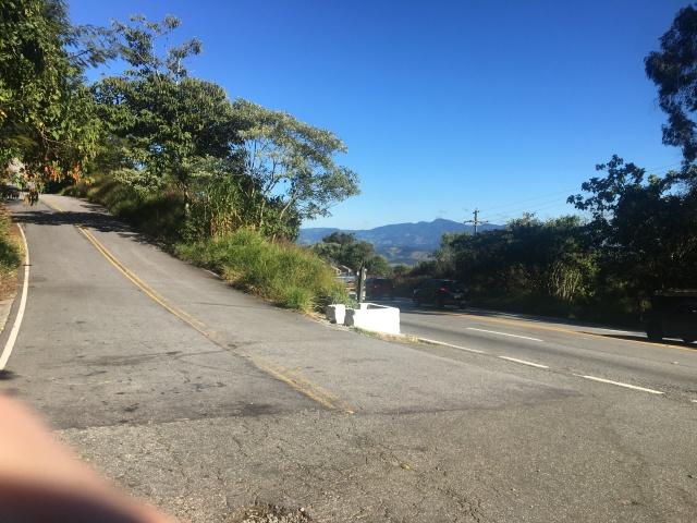 """Serra Nova de Campos - Km 14 - Acesso """"Via Hotel Toriba"""""""